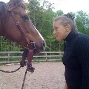 kate-and-horse-for-bio-page